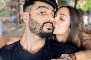 Malaika kisses Arjun in the New Year, social media users say so