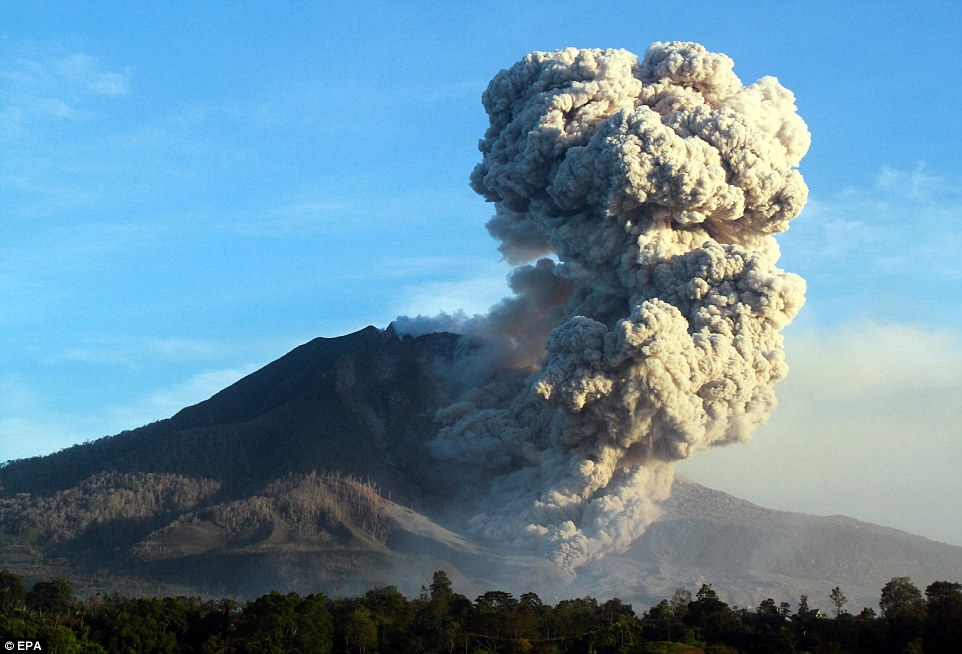 Indonesia volcano eruption: Mount Sinabung spews ash cloud