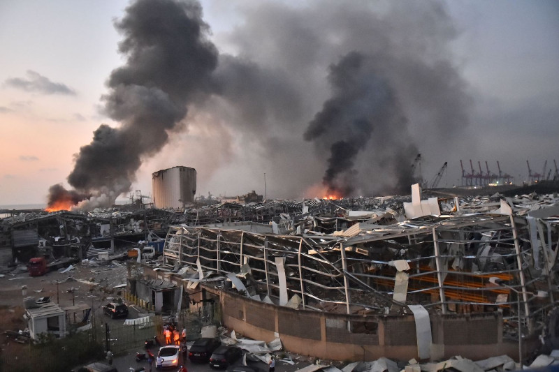 Beirut blast: Lebanon in mourning after massive explosion