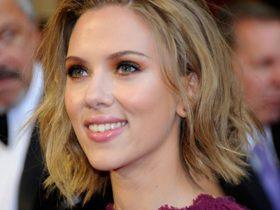Scarlett Johansson looking casual in Hamptons beach